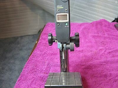 Mitutoyo Absolute Digimatic Drop Indicator 575-123 With Base
