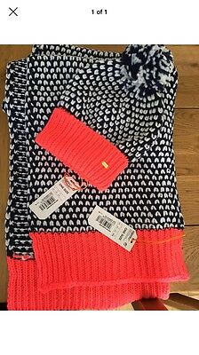 Superdry hat and scarf Set