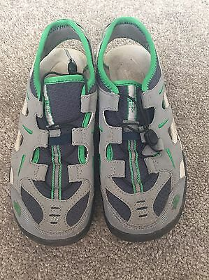 North Face Boys Sling Back Shoes Size US 5