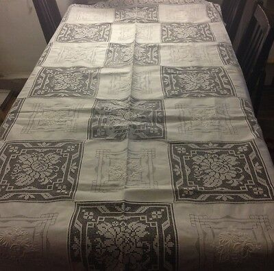 Great Dinner Tablecloth Hand Made Needle-weaving & Embroidered Squares Scalloped