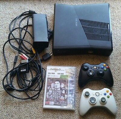 Microsoft Xbox 360 Slim 4GB Black Console, 2 Controllers and 1 Game