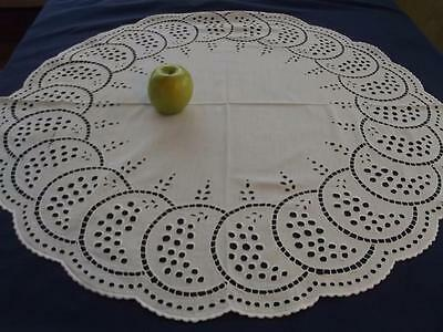 """Antique Linen Geometric Arts & Crafts Chic Embroidered 30""""Rnd Centerpiece Topper"""