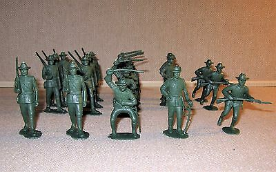 """#003 ~ Lot of 20 ?WWI? Plastic Toy Soldiers Figures ~ 2.5"""" Tall ~ Paintable"""