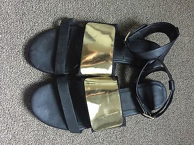 Witchery Black & Gold Sandals size 40