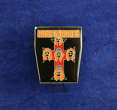 GUNS N' ROSES Enamel badge