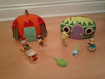Fifi and the Flowertots Primrose Cottage & Poppy's Market Stall with 4 figures