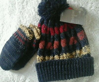 Baby boys knitted bobble hat with gloves reen size 12-23 months NWT