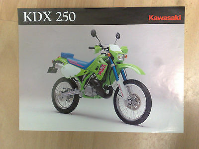 Brochure / Catalogue Commercial D'origine Moto Kawasaki 250 Kdx