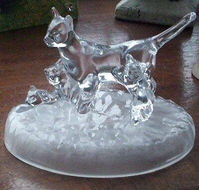 Rare Collectable Vintage Cat With Kittens Crystal Paperweight