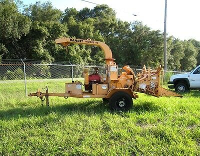 2000 Brush Bandit 95 Portable Wood Chipper 9 IN. Disc Style Chipper, VG4D Engine