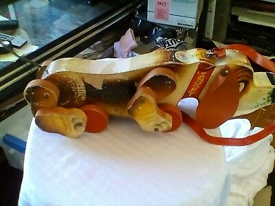 Vintage FISHER PRICE WOODEN SNOOPY DOG PULL TOY