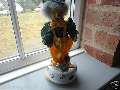 Vintage Musical Clown on China Base plays Fur Elise see other clowns