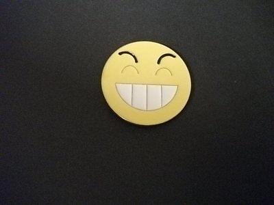 Yellow smiley face BELT BUCKLE NEW SIlver tone & yellow enamel