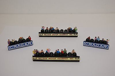 Ho Scale Slot Car Scenery / RACEFAN TIREWALL BARRIERS has 30 PEOPLE for AFX,TYCO