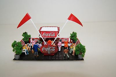 Ho Scale Slot Car Scenery / COCA-COLA RACING FAMILY STAND,LIGHTED, 20 PEOPLE