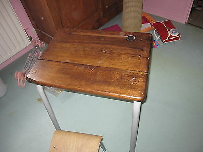table ecole