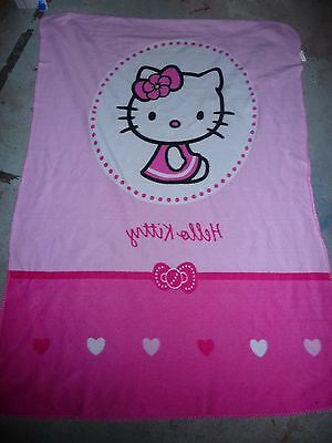 Plaid Hello Kitty pour lit a barreaux
