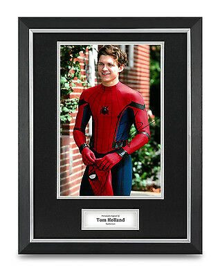 Tom Holland Signed Photo Framed 16x12 Autograph Display Spiderman Memorabilia