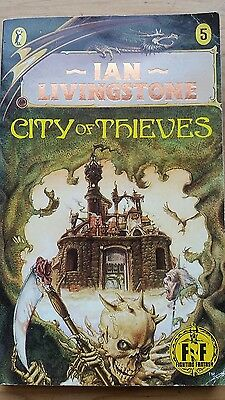 Ian Livingstone Fighting Fantasy Game Book 5 'City of Thieves'