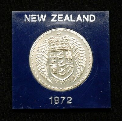 New Zealand 1 Dollar 1972 Coin in Plastic Case
