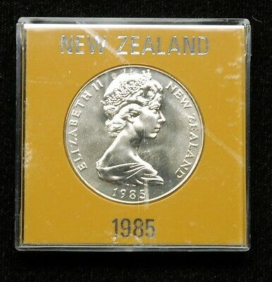 New Zealand 1 Dollar 1985 Coin in Plastic Case