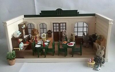 Sylvanian Families Vintage TOMY EPOCH Harvester Restaurant RARE With Figures Acc