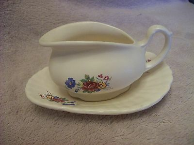 Axe Vale Pottery Sauce/Condiment Boat/Jug on matching tray