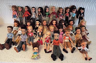 Lot of  34 Bratz Doll Cloth Pets Hair Brushes Shoes Boots Bags...