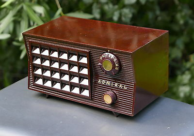Admiral Model 5R32 Tube Radio 1955 Excellent Condition Marbled Bakelite Cabinet