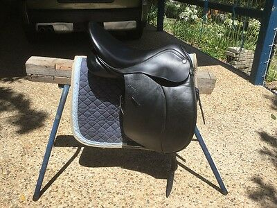 "Like new Klimke Dressage saddle 17"" Black."
