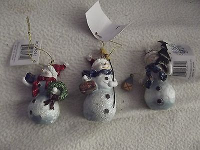 GROUP OF SNOWMEN ORNAMENTS/GROUP OF 3 winter magic snow present and tree