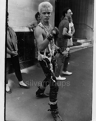 Orig 1984 BILLY IDOL New Wave/Punk CANDID Portrait.. Signature Expression!