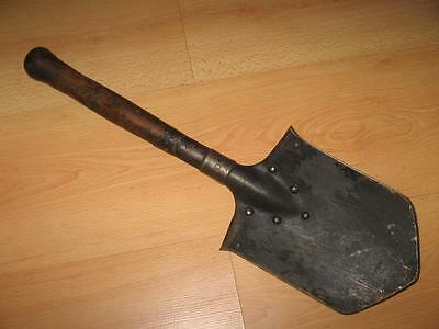 1915 WW I MARKED VINTAGE GERMAN ENTRENCHING SHOVEL TOOL MARKED wooden handle