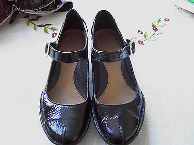 Clarks black patent wedge shoes size 6.5 D