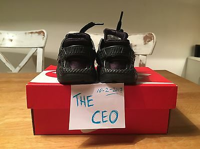 Nike Huarache Triple Black Toddler Size 19,5 Eu