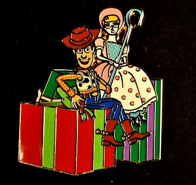 Disney Pins - DSSH - Toys for Tots - Woody and Bo Peep Toy Story - 2015 - LE 500