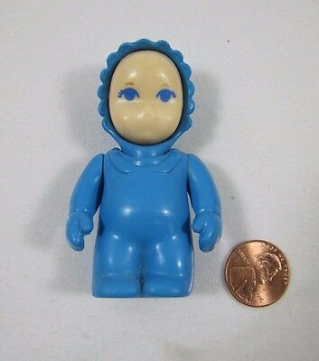 """LITTLE TIKES Dollhouse BABY INFANT 2.5"""" DOLL in BLUE SLEEPER Rare Missing mouth"""