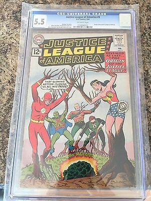 JUSTICE LEAGUE #9 CGC 5.5 off white pages FLASH  CANADA SELLER