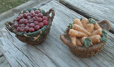 Vintage Boyds Bears Small Apple & Carrot Baskets Accessory