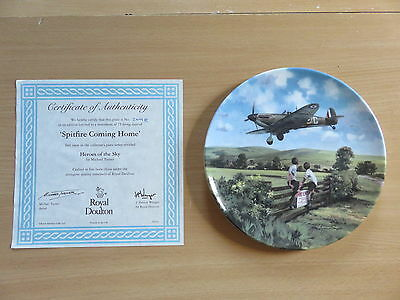 Royal Doulton Heroes Of The Sky Boxed Plate - Spitfire Coming Home 209B