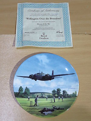 Royal Doulton Heroes Of The Sky Boxed Plate - Wellington Over The Boundary 2288A