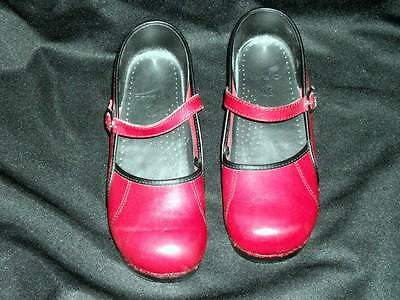 Dansko women's mary jane shoe size 40, red leather, excellent condition 1U