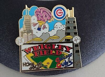 1 pin's baseball CHICAGO cubs  montgolfière signé Charles FAZZINO