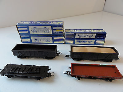 HORNBY HO ( lot 10 ) 4 WAGONS MARCHANDISES SNCF  TBE BO 2 RAILS CC