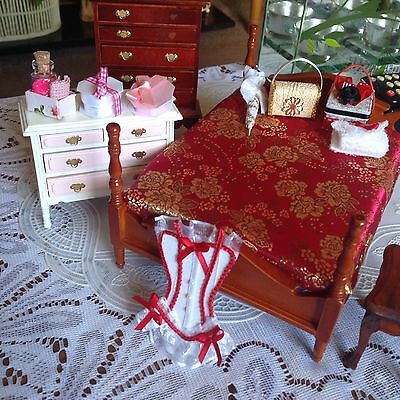 dollhouse furniture mixed lot