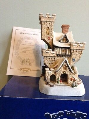 New David Winter Cottages The Christmas Castle Limited Edition No 2509 (1996)
