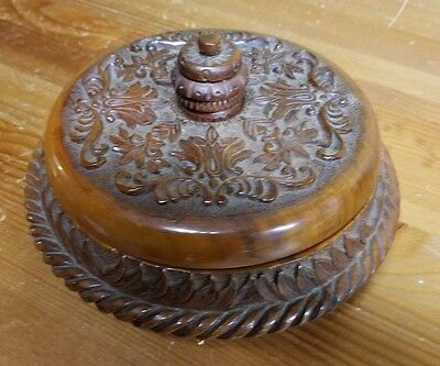 Vintage Farmhouse style HAND CARVED ROUND WOOD BOWL WITH LID ART STORAGE
