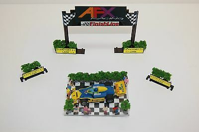 Ho Scale Slot Car  / WINNER'S CIRCLE with FINISH LINE UNIT &  VICTORY LANE SIGNS