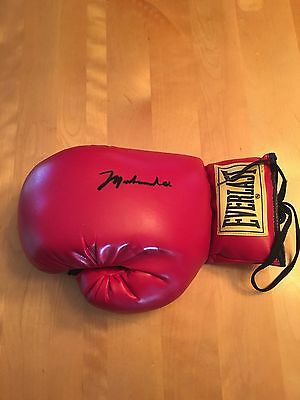 Muhammad Ali Signed Everlast Boxing Glove