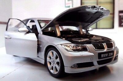 1:24 Scale BMW 3 Series 330i E90 Detailed Welly Diecast Model Car Silver 22465